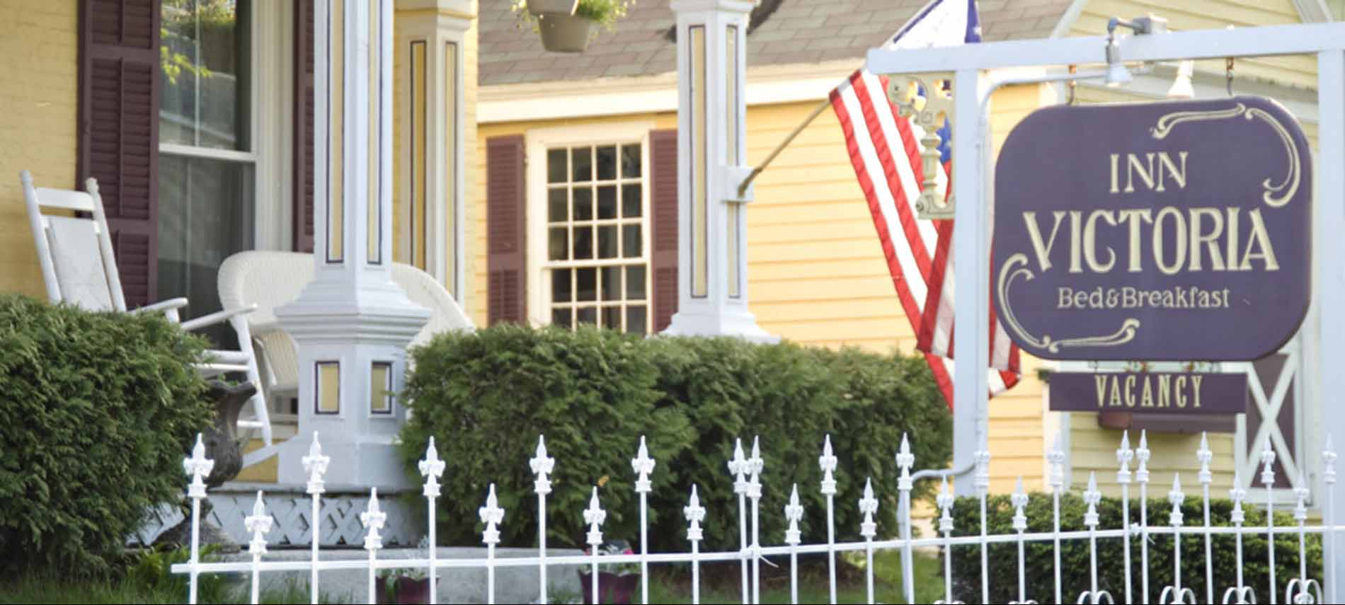 Inn Victoria: Bed and Breakfast in Chester Vermont